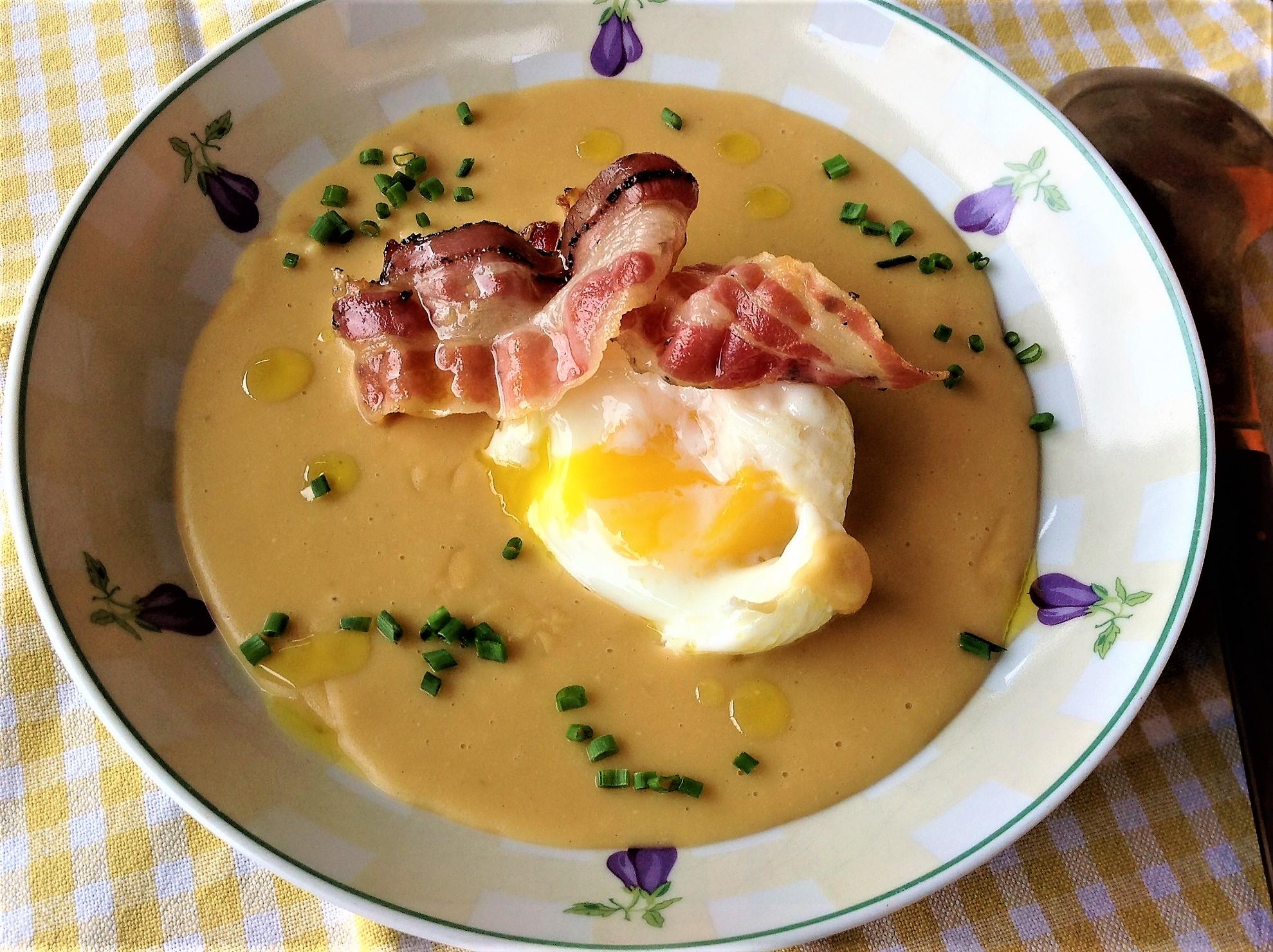Crema de lentejas con huevos poch legumbres todo el a o for Huevo en el ano
