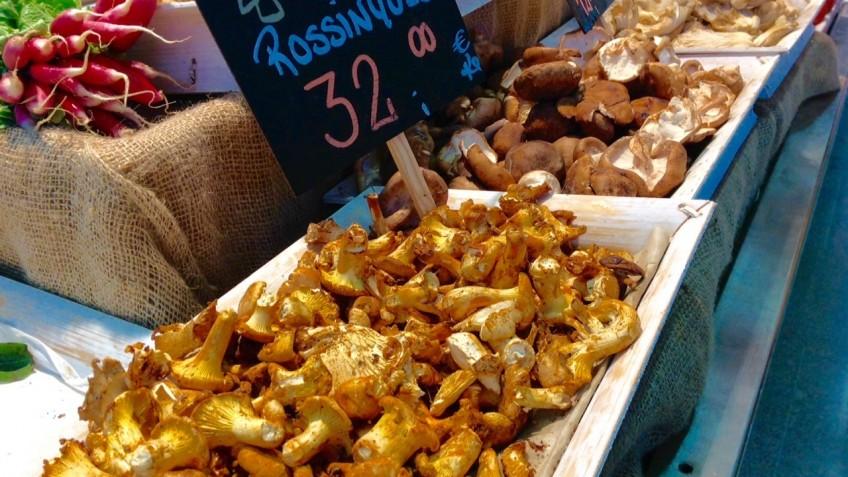 Setas: rossinyols del mercat del Ninot