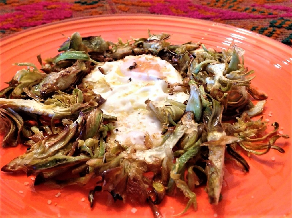 huevo alcachofas