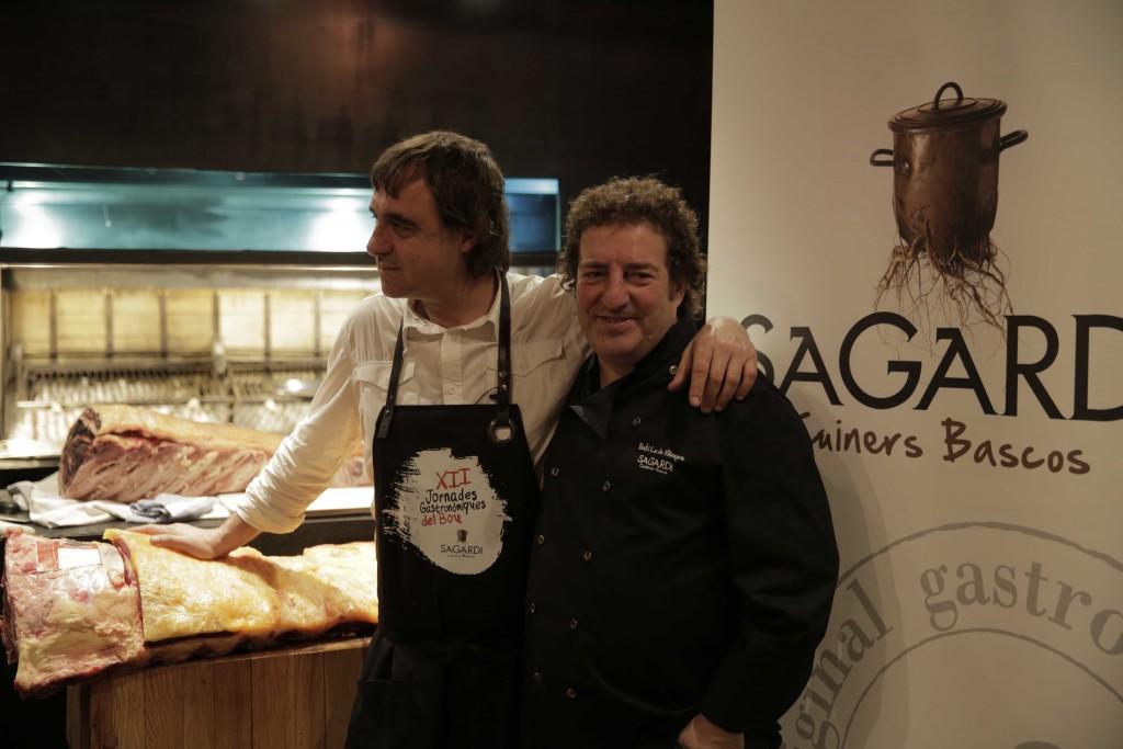 SAGARDI_El carnicero Imanol Jaca e Iñaki Lz de Viñ aspre, Presidente de Grupo Sagardi