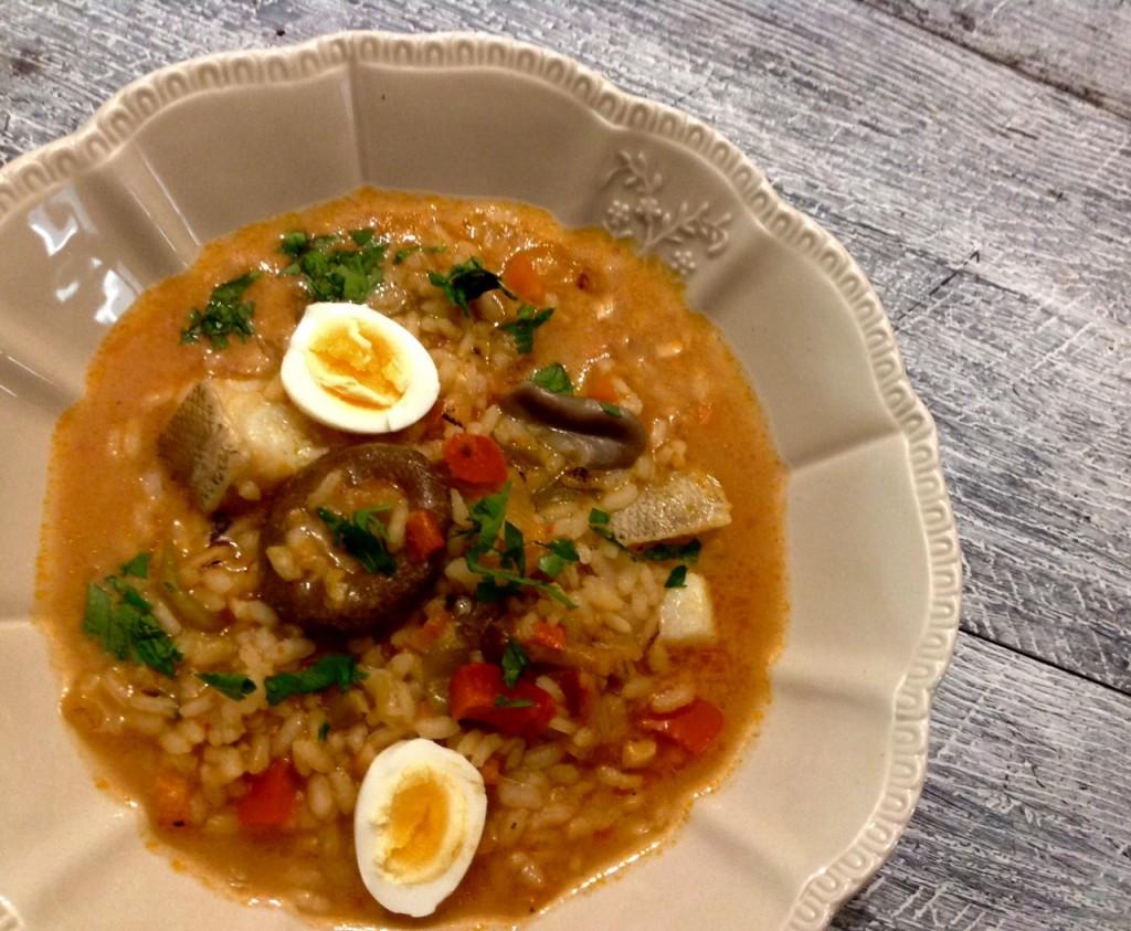 arroz caldoso de bacalao setas y huevos de codorniz