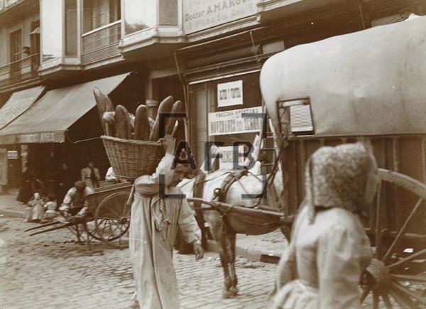 venta de pan en la rambla 1910