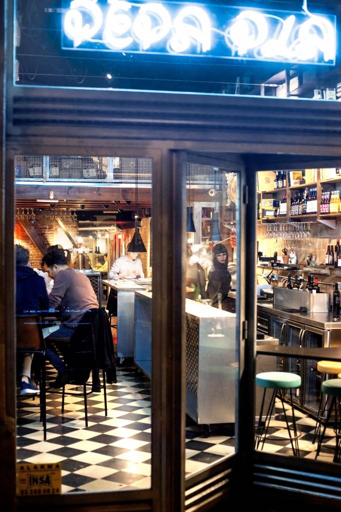 Entrada del Restaurante PEPAPLA en el Eixample de Barcelona