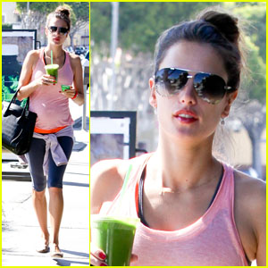 alessandra-ambrosio-green-smoothie