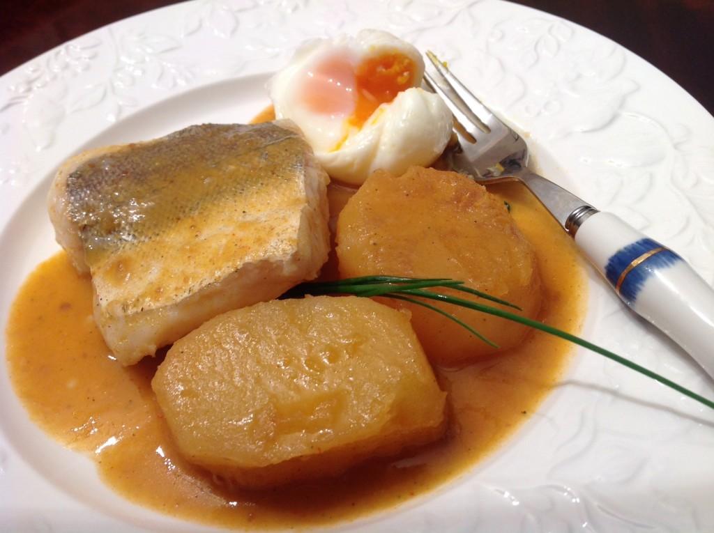 pescadilla salsa mejillones