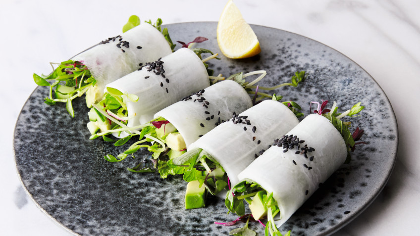 043 Daikon Rolls with Avocado and Micro Greens (1)Vegan
