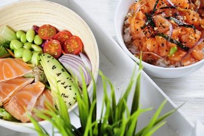 Ensalada de tataki de salmón y P oke de Salmón, Go! Sushing