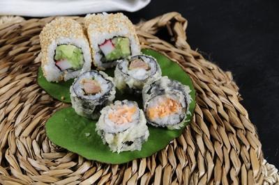 Sushi crispy salmón, Sushi crisp y pato, Sésamo roll, Go! Sushing