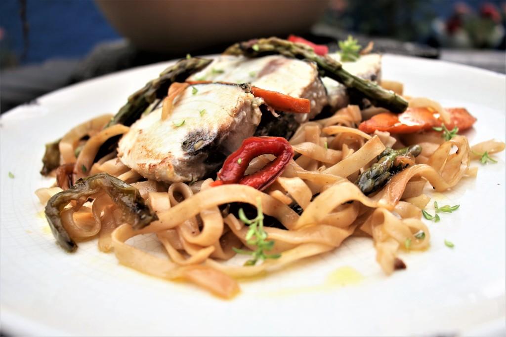 noodles y bonito portada