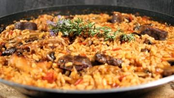 arroz con conejo setas morcilla romer