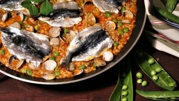 arroz con sardinas o el arroz con muy poco