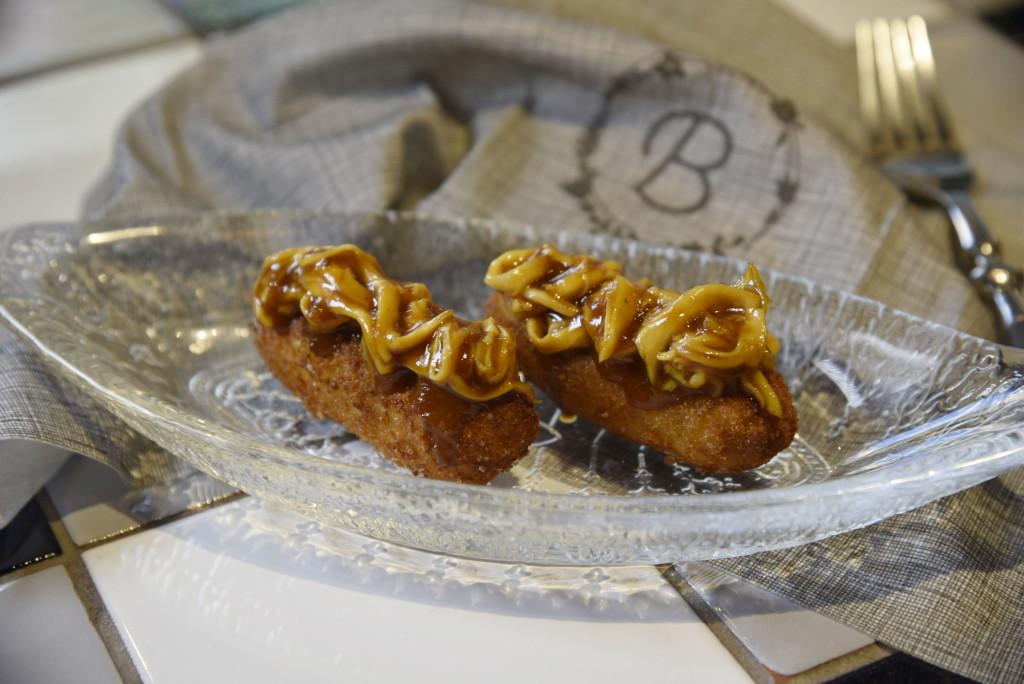 Croquetas-de-pollo-con-su-guiso-1 Bellavista