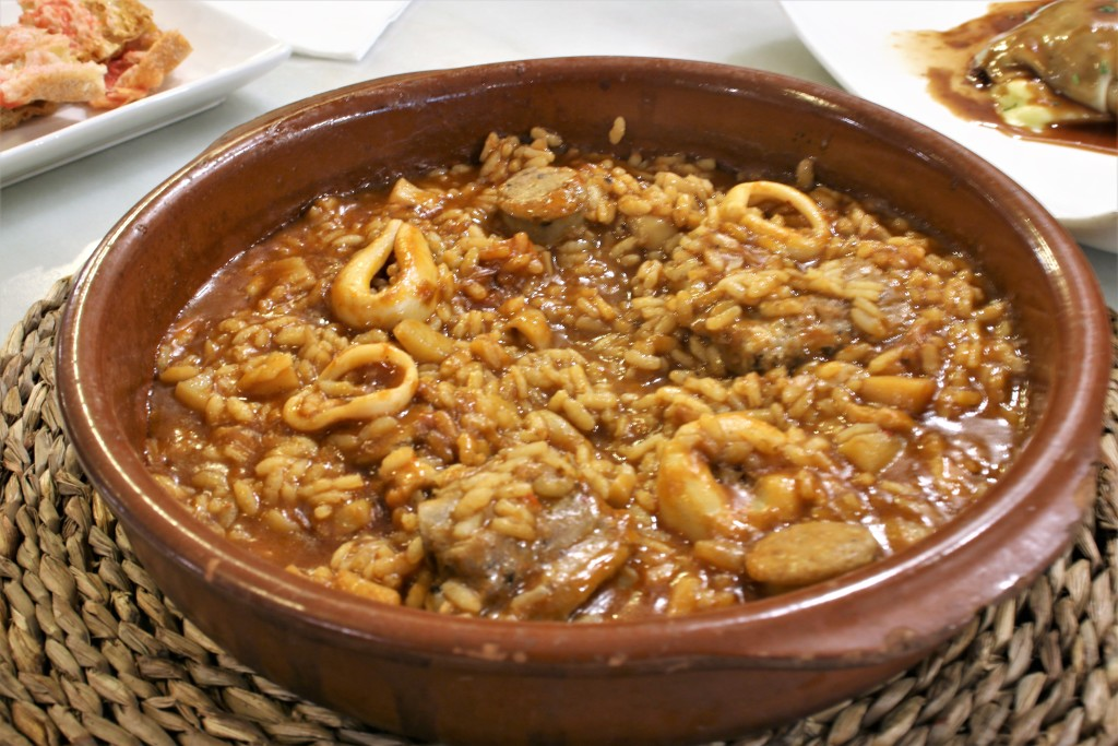 Bodega Monumental arroz de la tere1